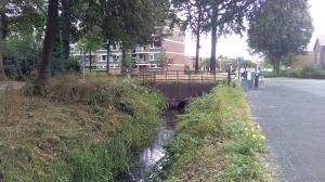 Brug in de Van Uvenweg over de Dijkgraaf.
