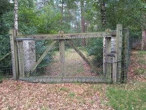 gesloten toegangshek
